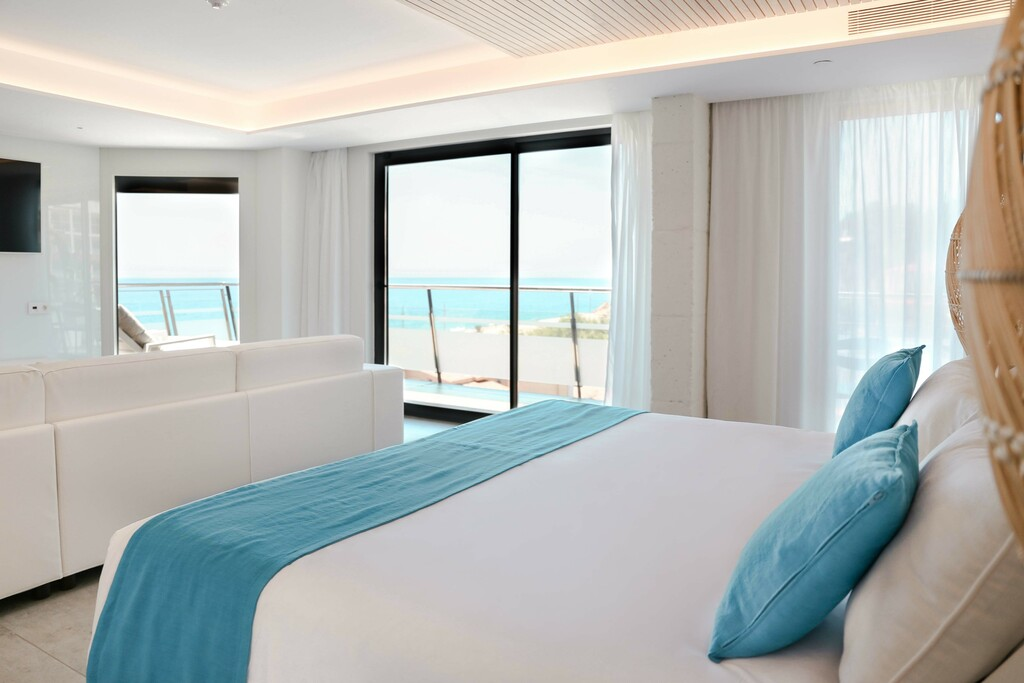 ​Ocean7 Suite with Hydromassage & Terrace sea view