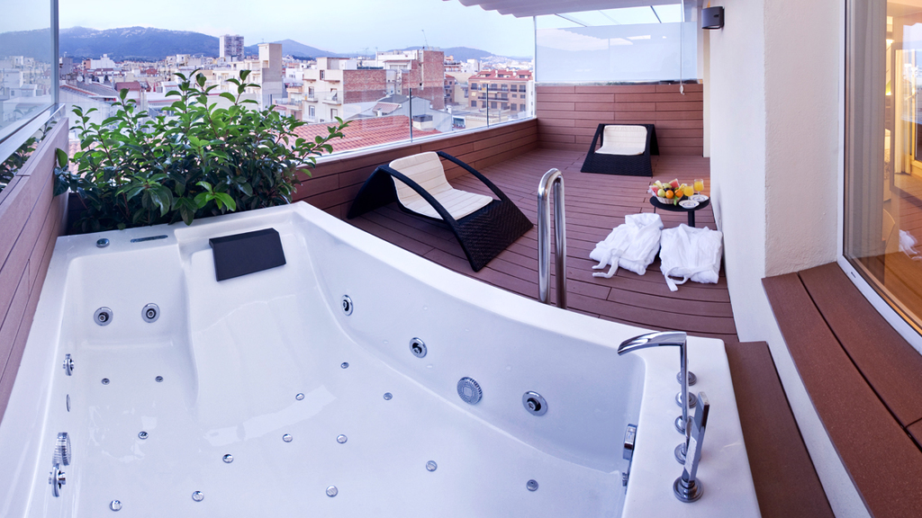 Superior Room with Whirlpool on the Terrace