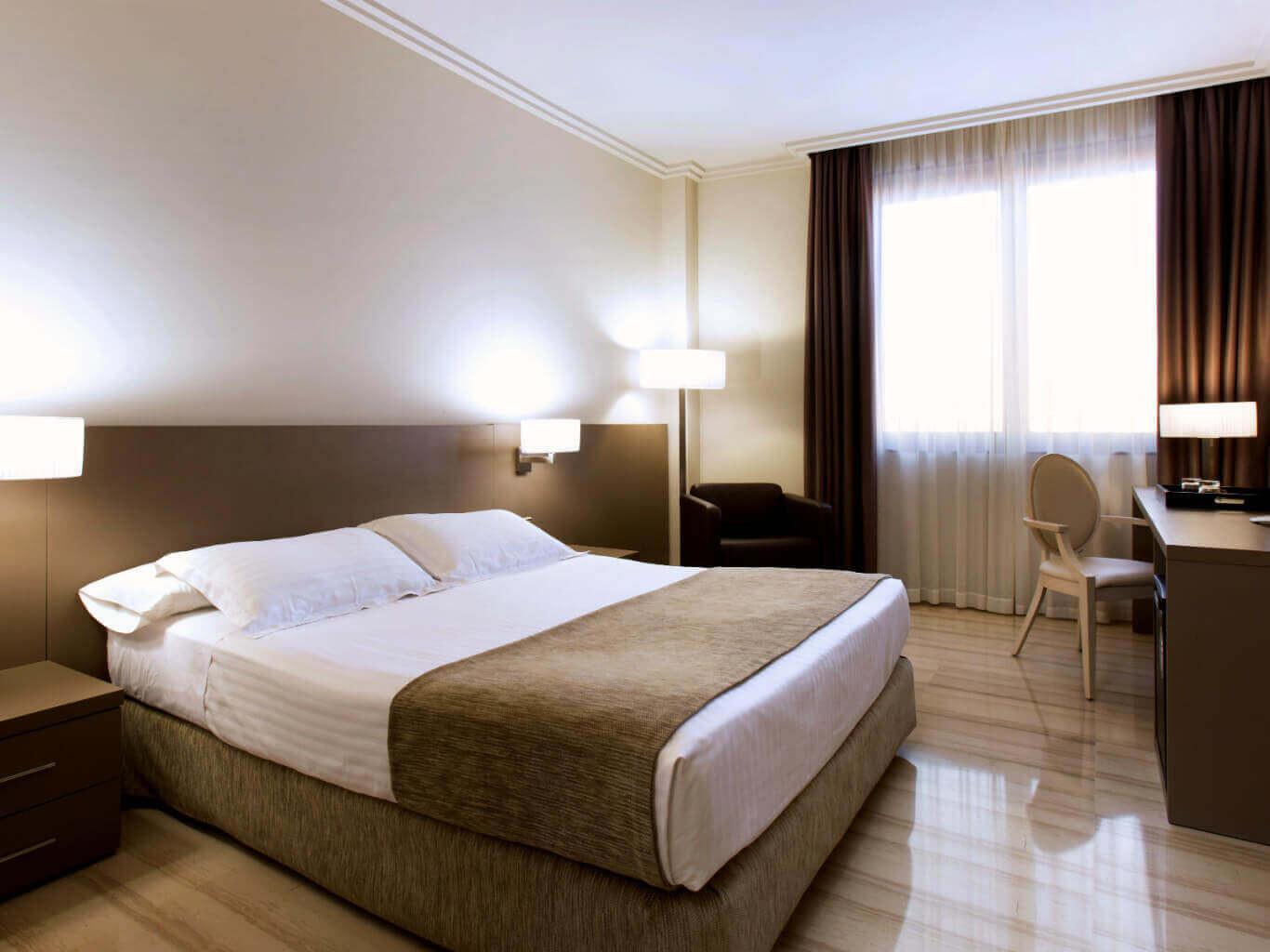 Habitaci n doble hotel ciutat de tarragona tarragona for Habitacion doble