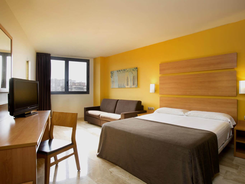 Habitaci n doble hotel express tarragona tarragona for Habitacion doble
