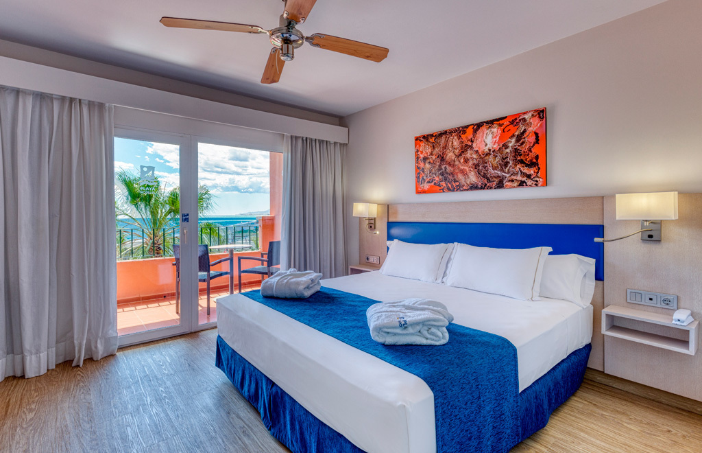 Superior Double Room Frontal Sea View