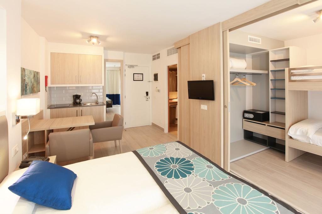 1-Zimmer-Wohnung mit Poolblick