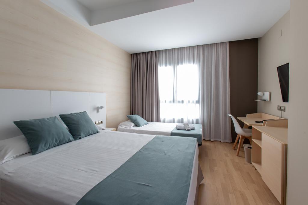 Camera doppia con letto aggiunto per bambini