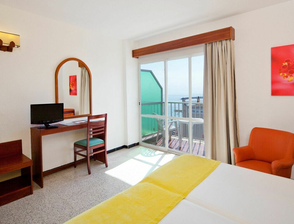 Side Sea View Double room with Balcony
