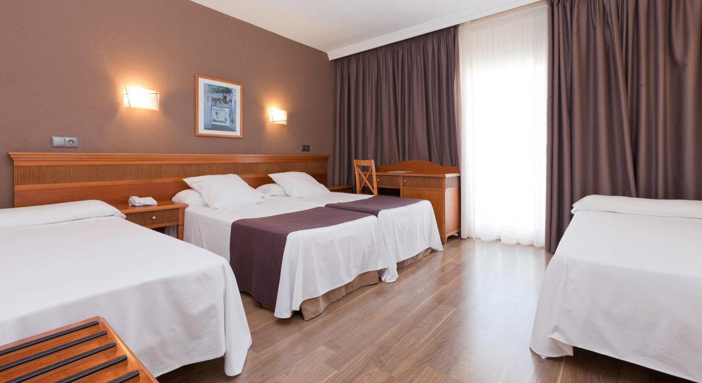 Habitación Doble con 2 camas supletorias