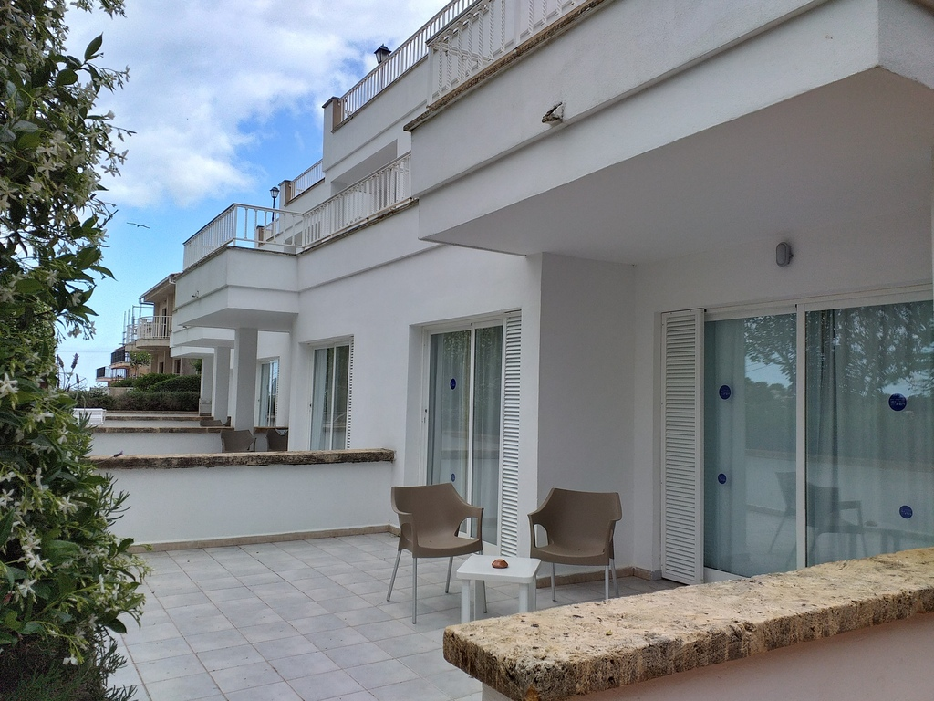 2 Bedroom Apartment with Side Sea View