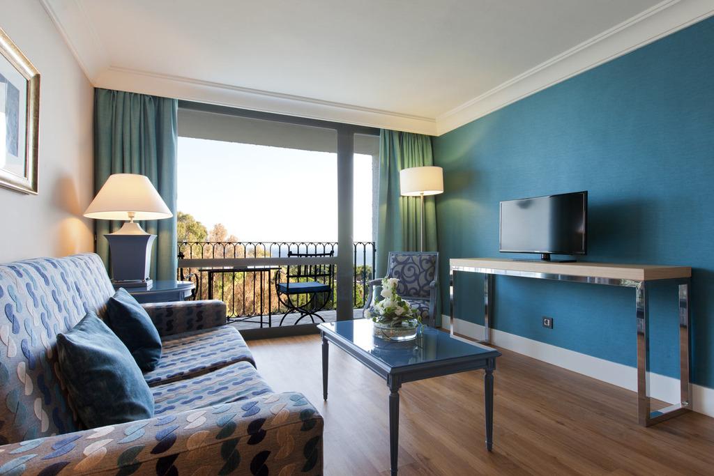 2 Bedrooms Suite Deluxe