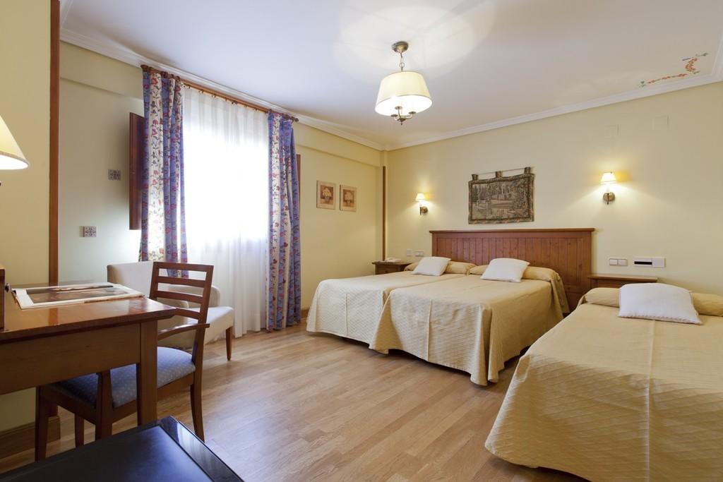 Habitación Doble (con cama supletoria para un niño de 2 a 12 años)