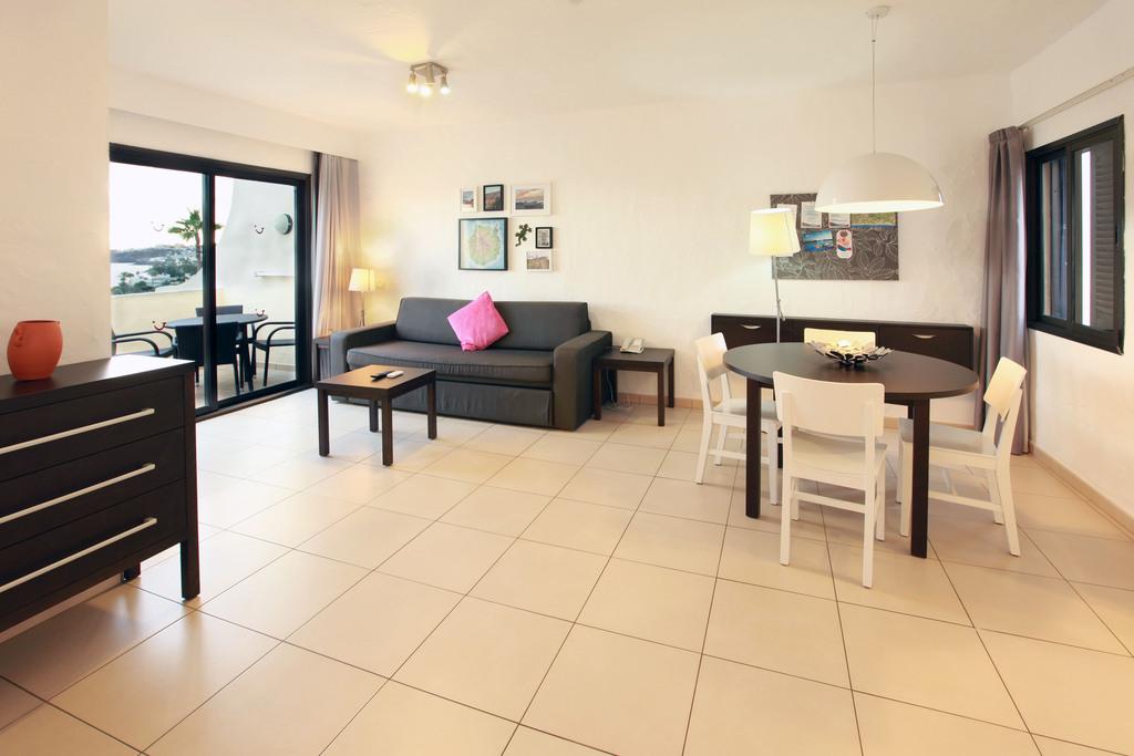 Apartment mit 2 Schlafzimmern und eingeschränktem Meerblick