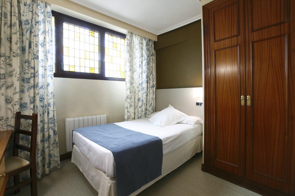 Chambre simple Intérieur