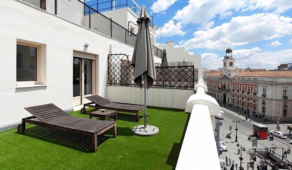 Habitación con terraza calle Arenal