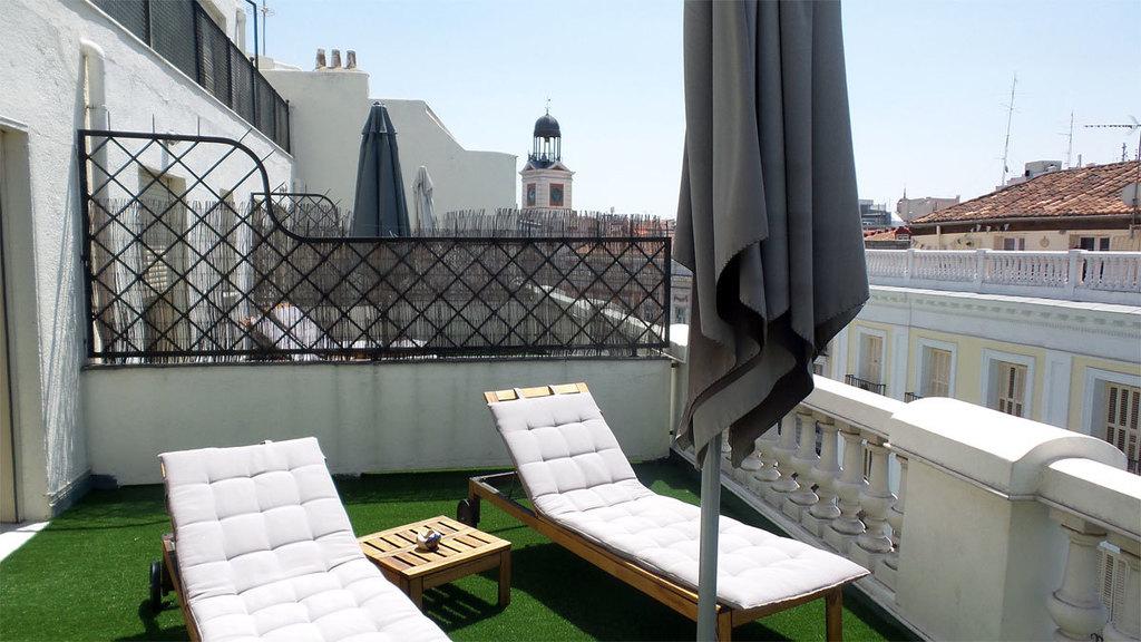 Chambre avec terrace rue Arenal