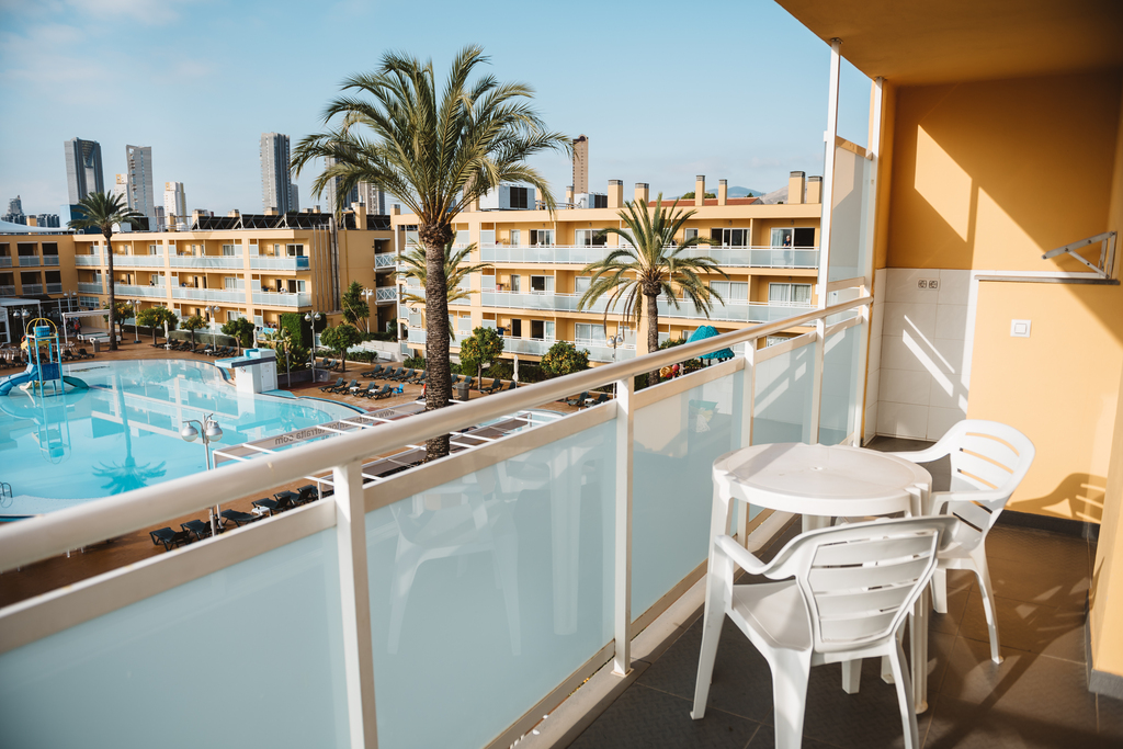 1 Bedroom Apartment with Pool View