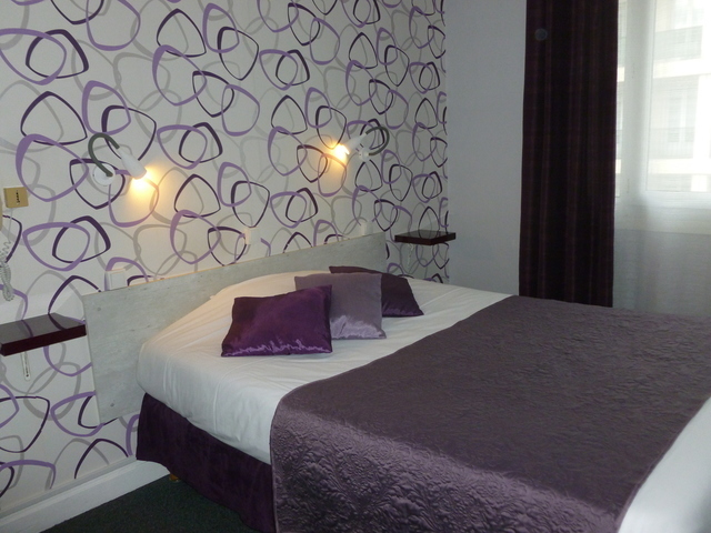 Single Room - large double bed