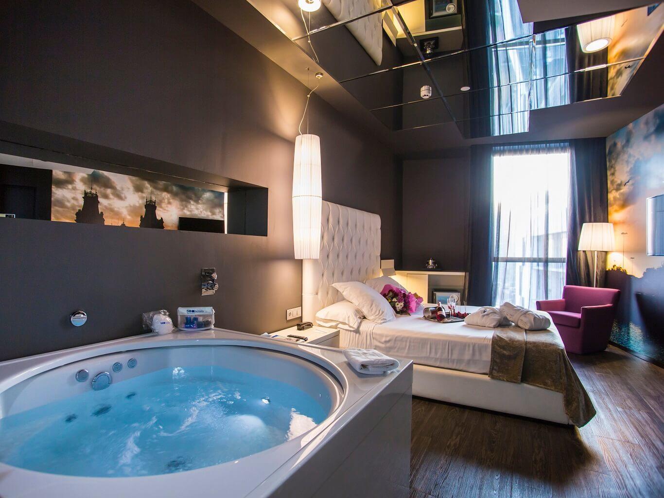Jacuzzi suite hotel sb plaza europa l hospitalet de - Jacuzzi in camera da letto ...
