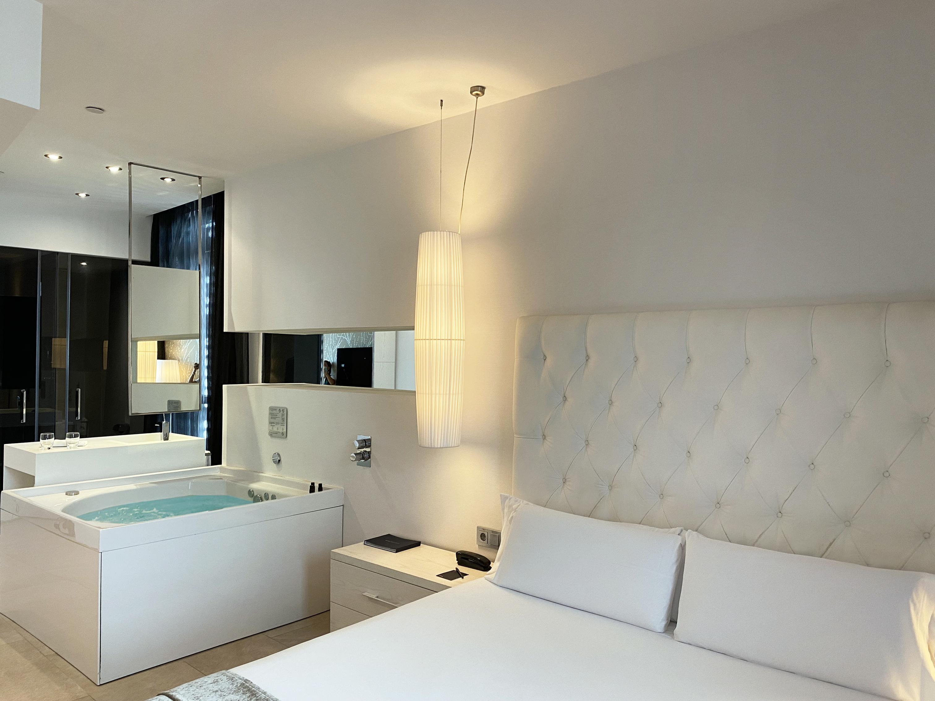 Jacuzzi Suite