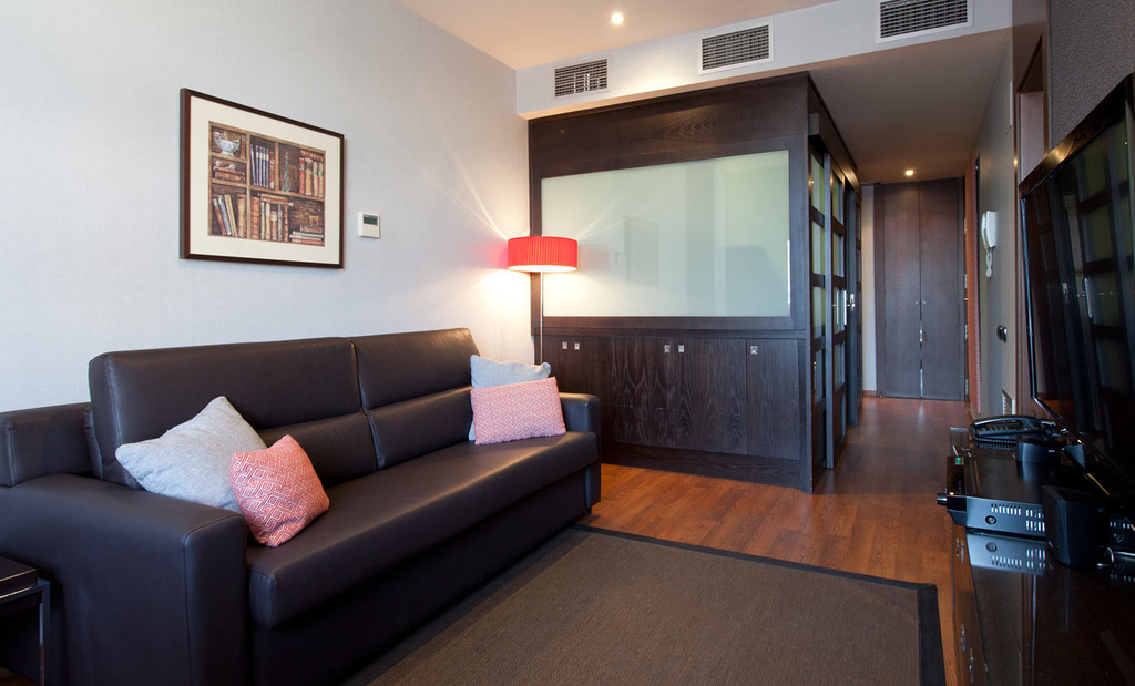 1 Room Apartment (1-2 people)