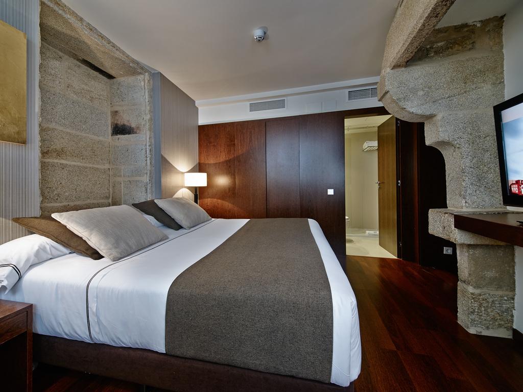 Carris Room