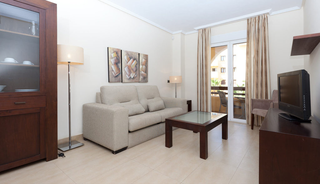 Apartment with pool access (2 bedrooms)