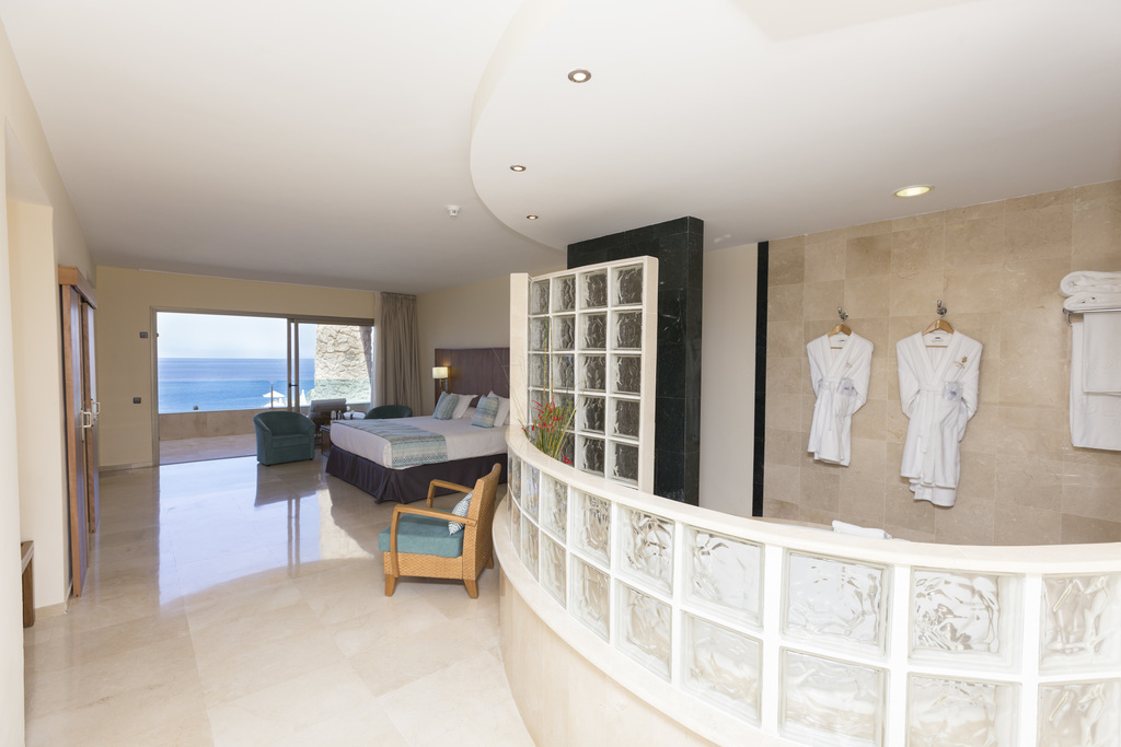 Royal Suite Sea View, Spa included