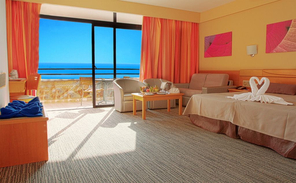 Rooms gloria palace amadores thalasso hotel in gran - Sofas gran canaria ...