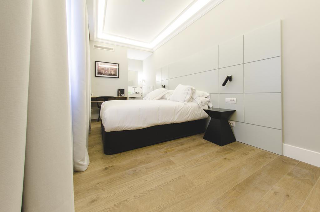 One Shot Standard Room