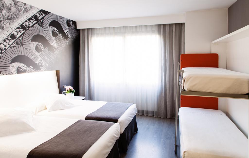 Zimmer für vier Personen