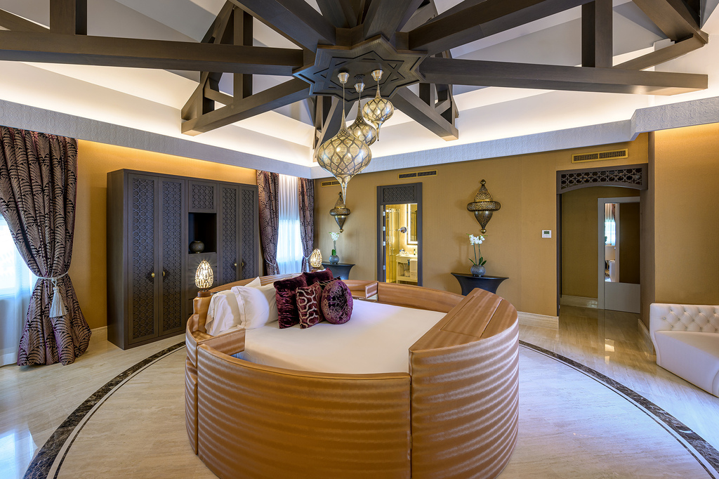 Crown Suite