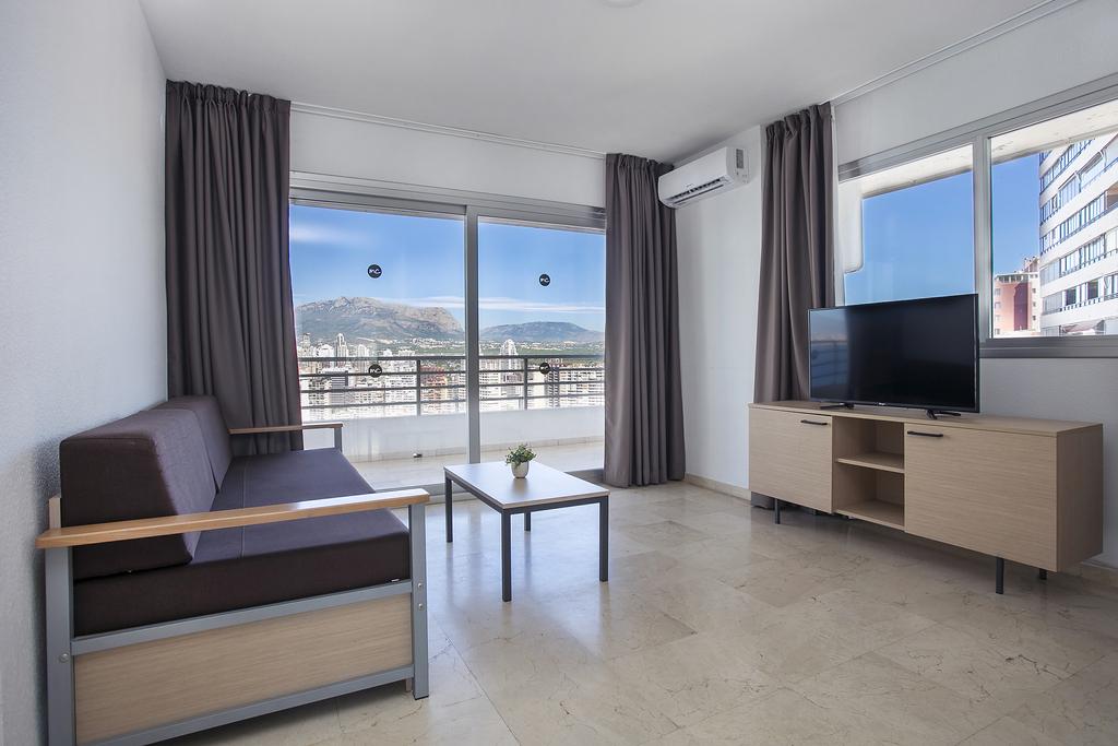 2 Bedroom Apartment Sea View