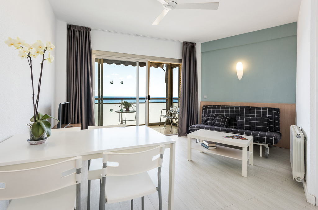 1 Bedroom Apartment Sea View