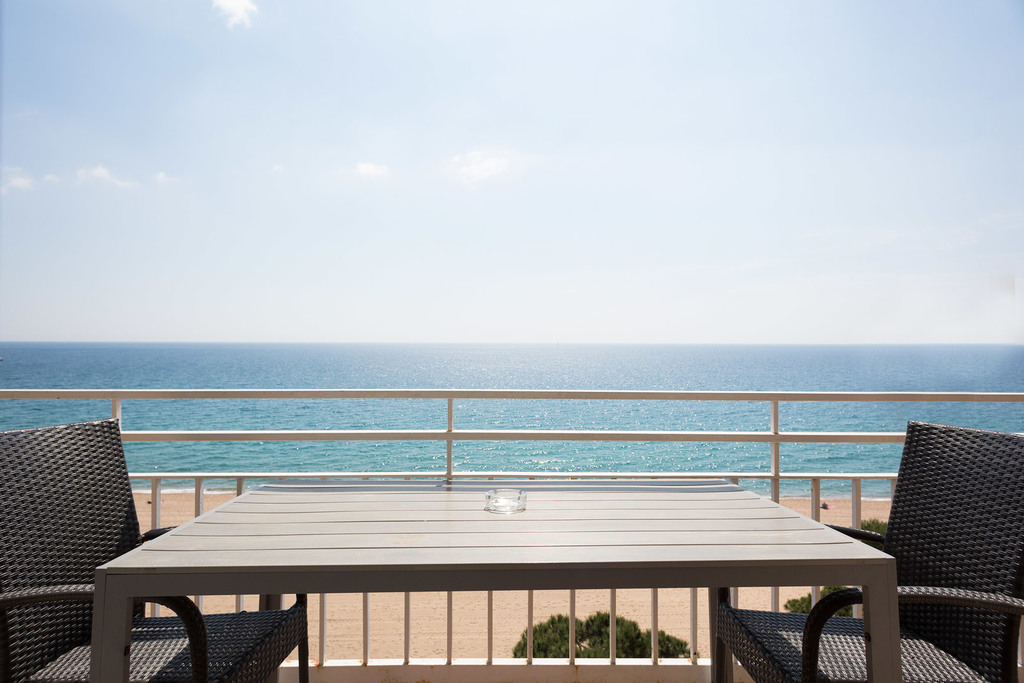 Apartment sea view with air conditioning (4 adults + 2 children)