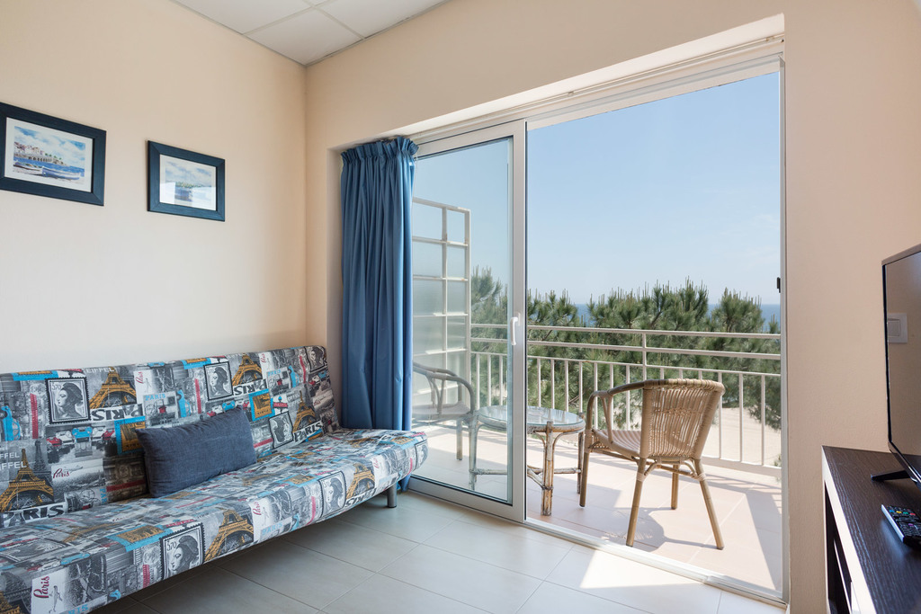 Sea view Apartment (4 adults + 2 children)