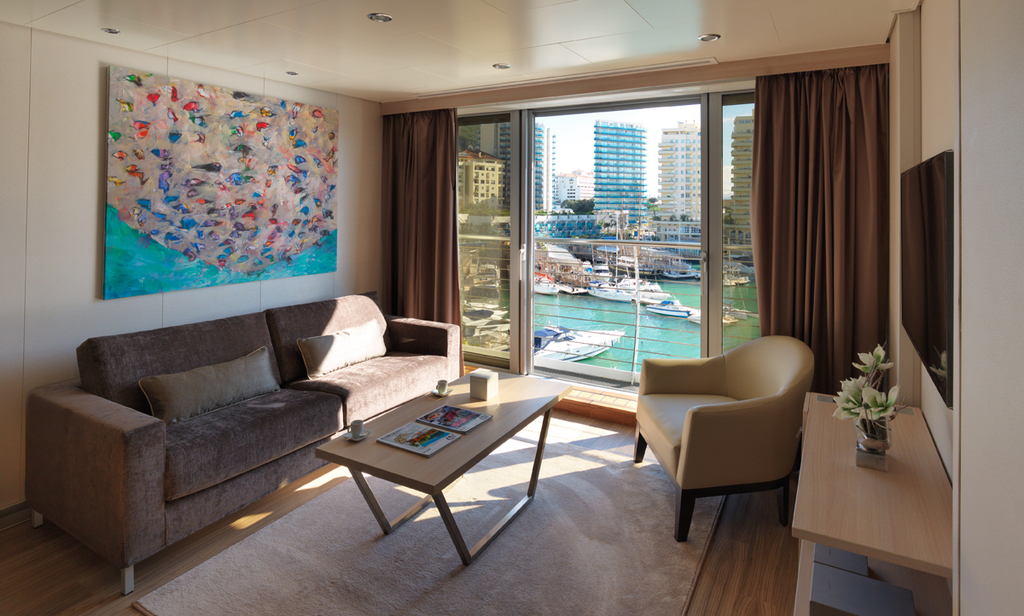 Superyacht Junior Suite