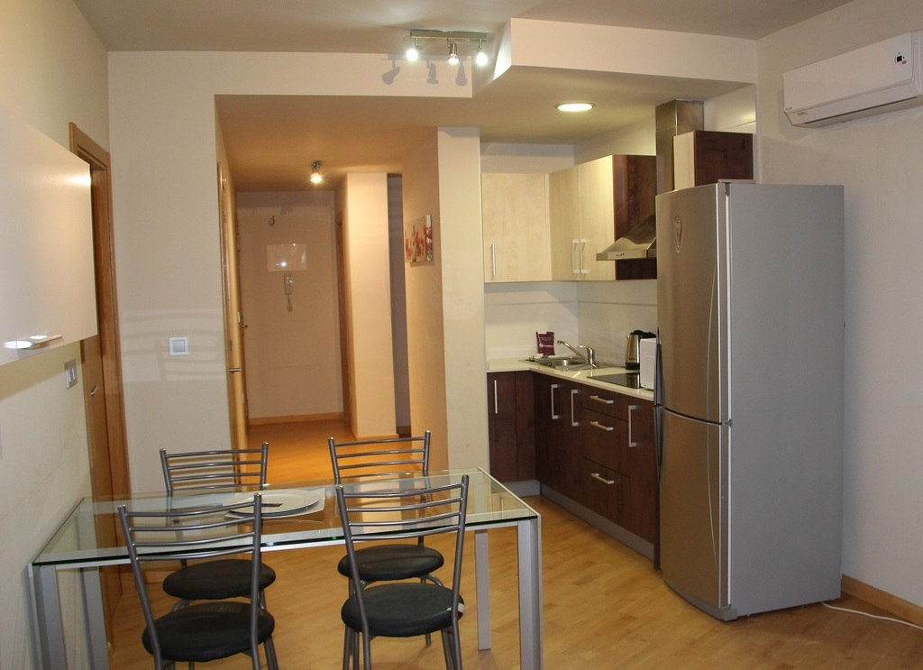 2 Bedroom Apartment (Short Stay)