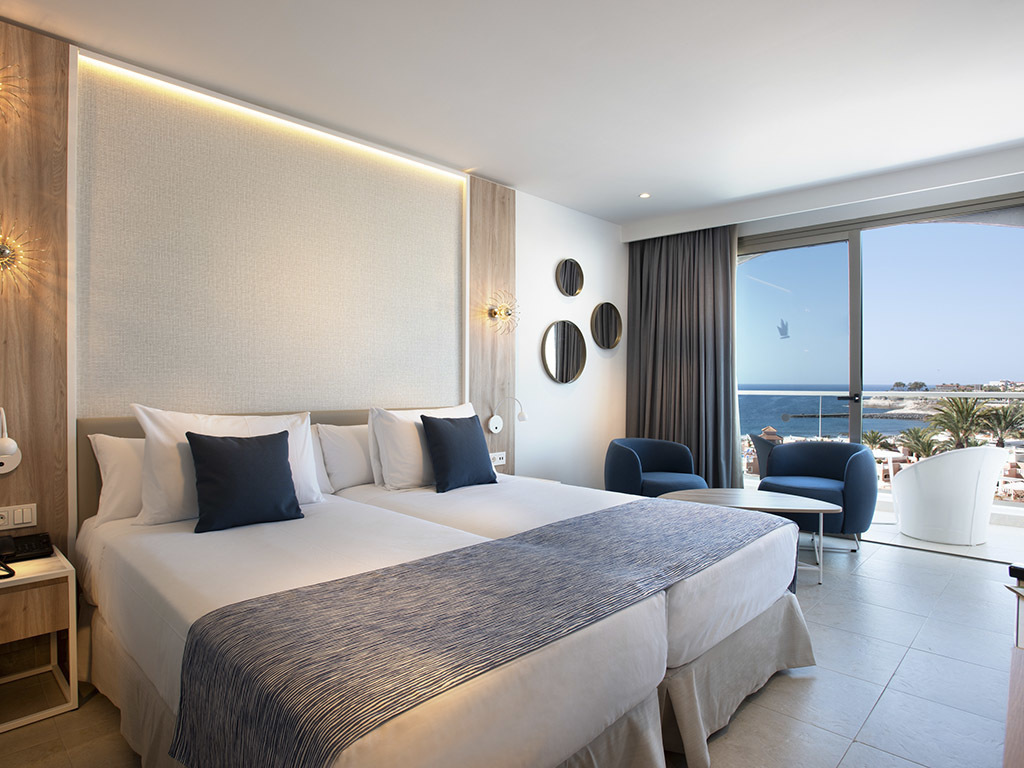 Standard Side Sea View Room