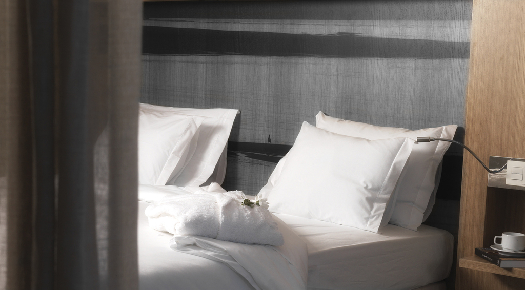 Twin Room Partial River View 3 pax