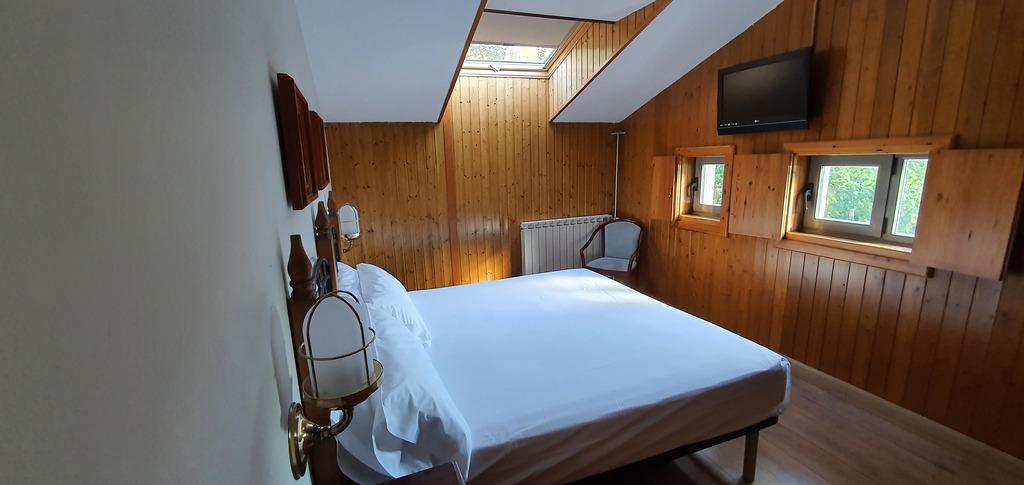 Superior Attic Room (Double Bed)