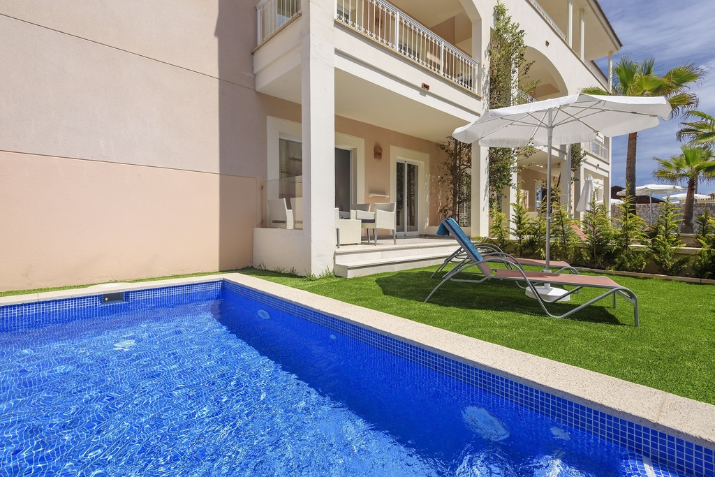 Premium Superior Pool Apartment