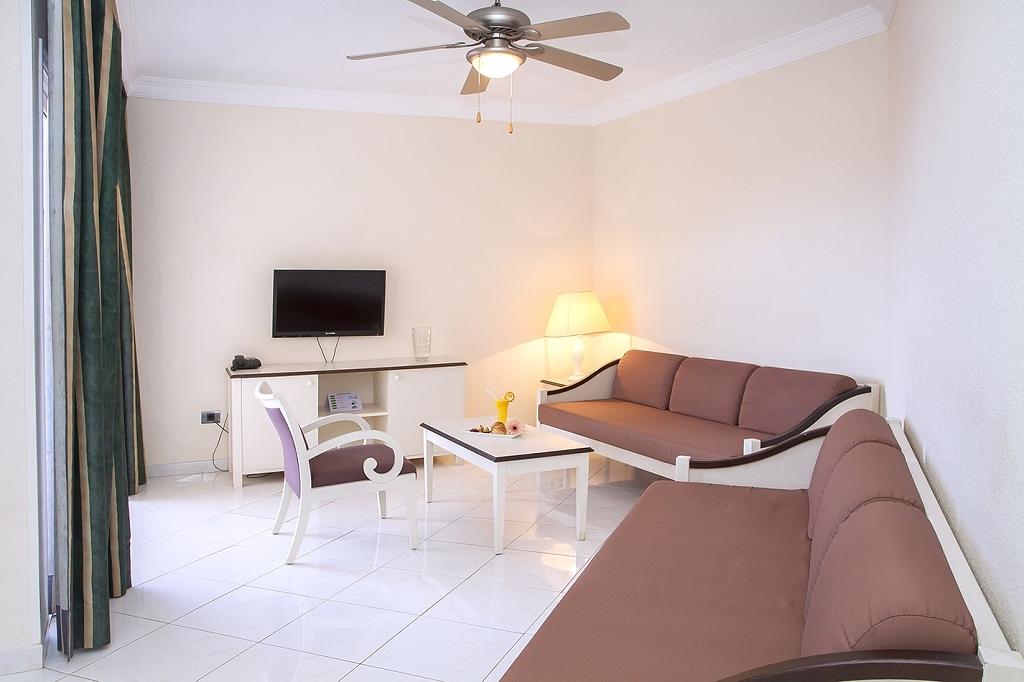 2 Bedroom Apartaments