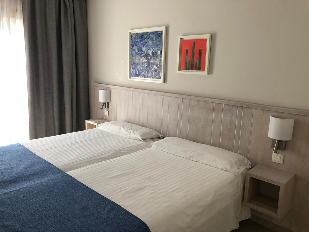 Classic 2 bedroom Apartment