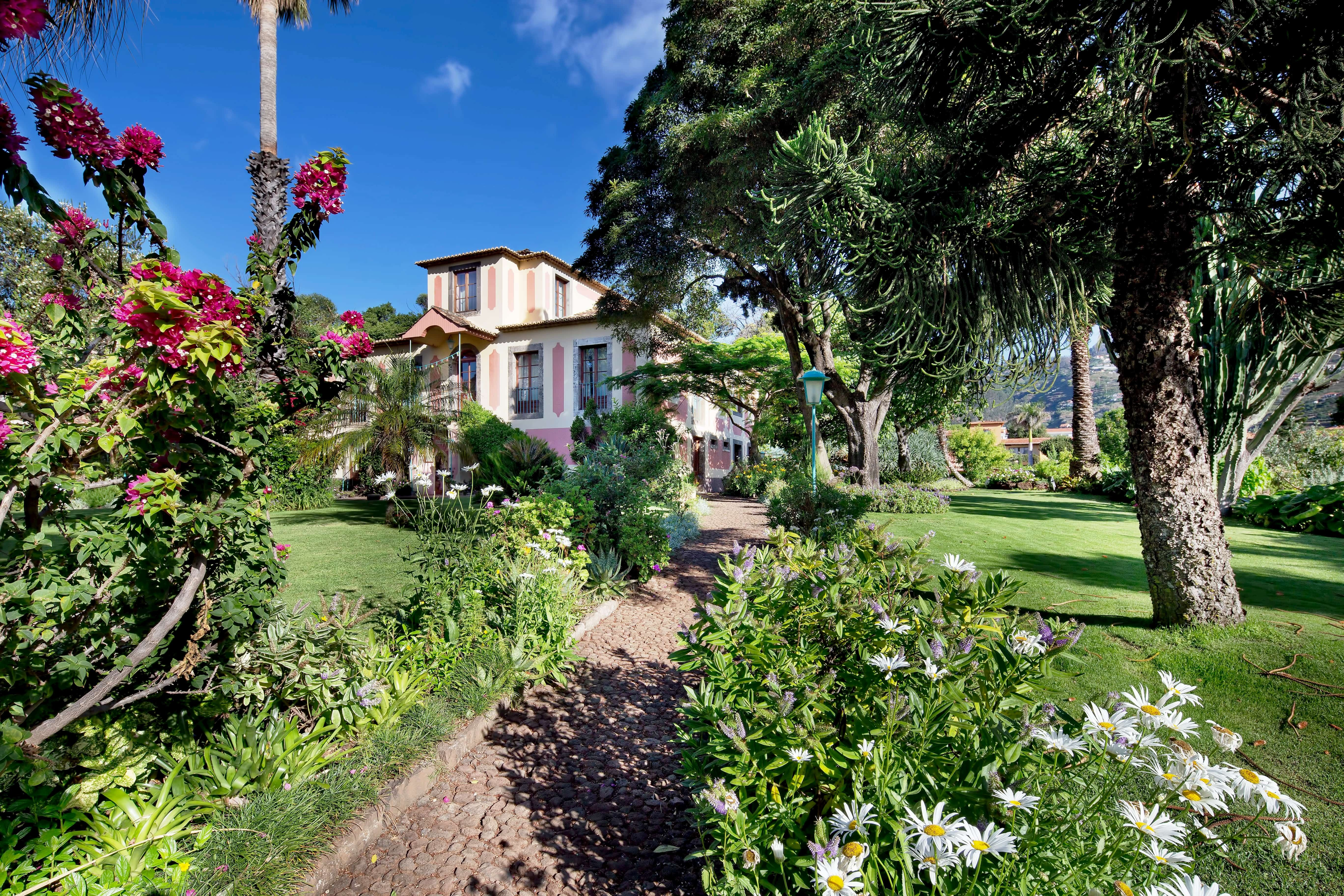 Standard Garden View