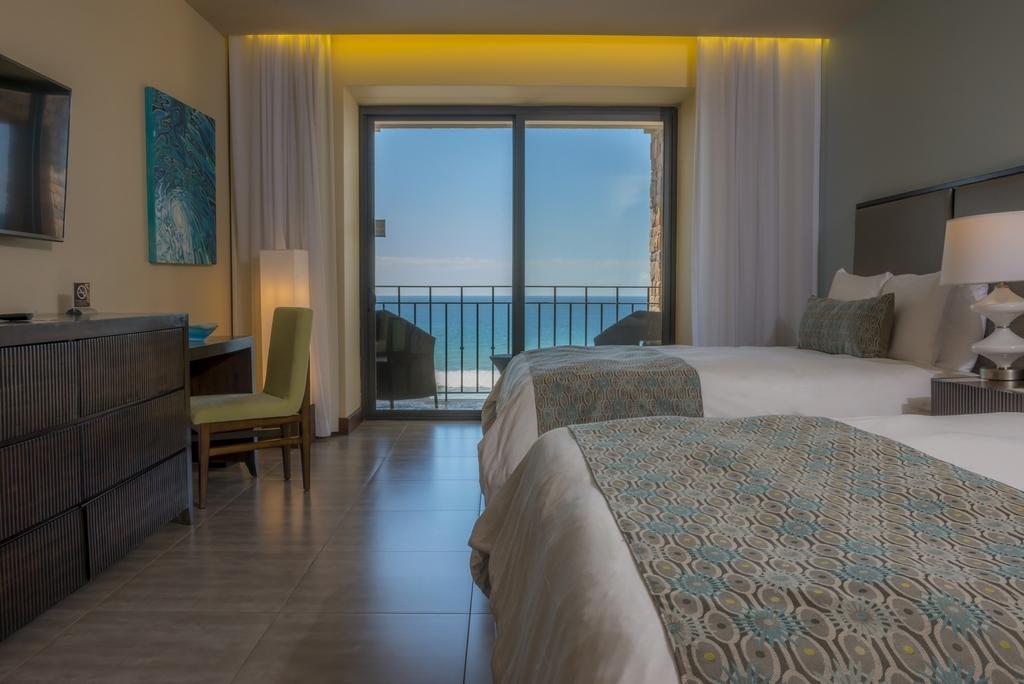 Deluxe Room Ocean View 2 Queen Beds with Balcony