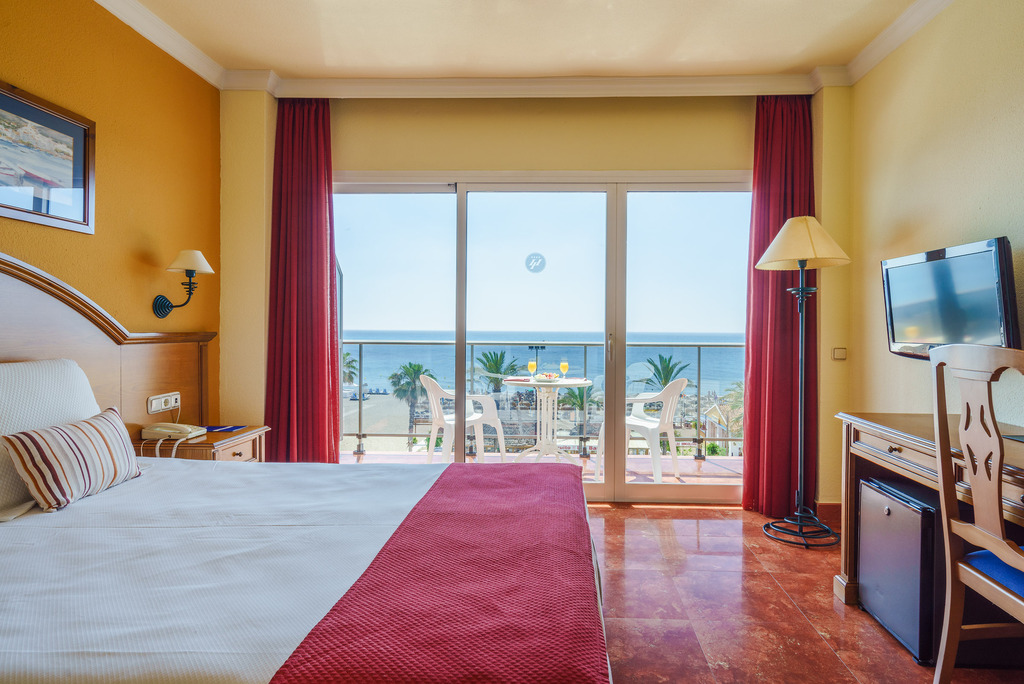 Room with Frontal Sea View