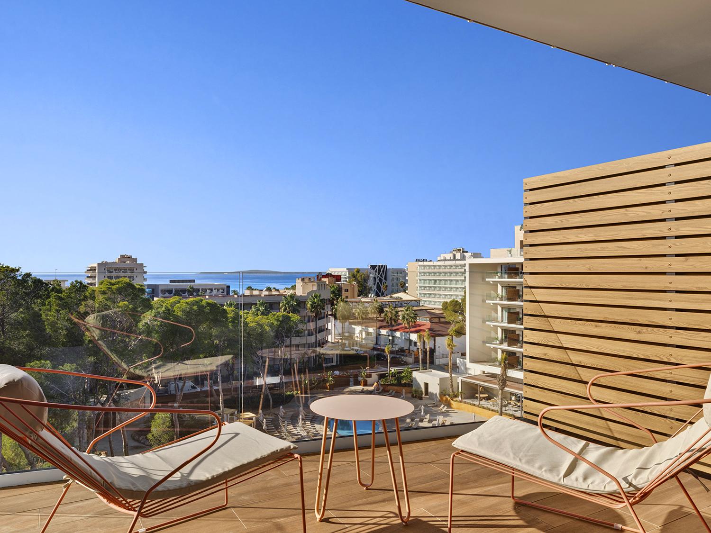 Suite Junior Pool View