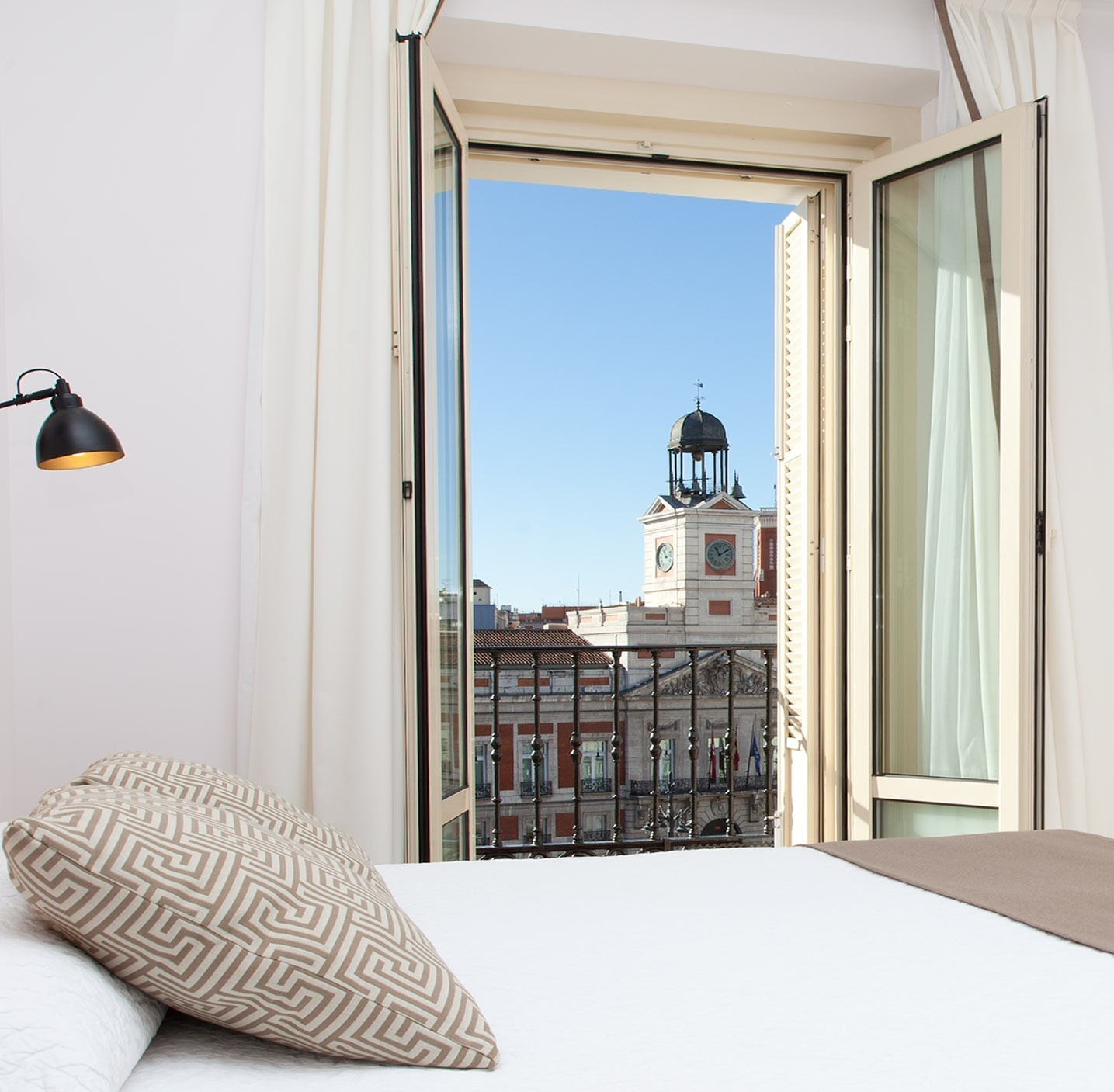 Double with extra bed with Puerta del Sol views