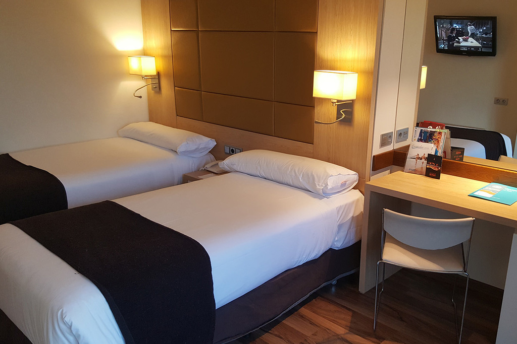 Communicated Double Room