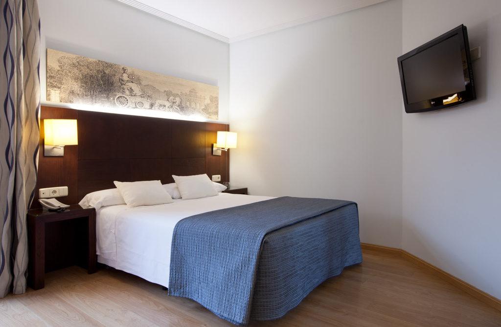 Habitaciones hotel ganivet madrid web oficial for Habitacion cuadruple madrid