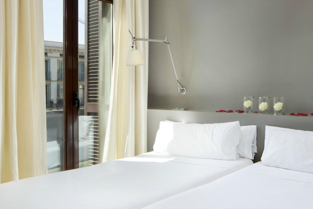 """Habitación Comfort """"Cool"""" Vista Ramblas 2 camas (1 o 2 personas)"""