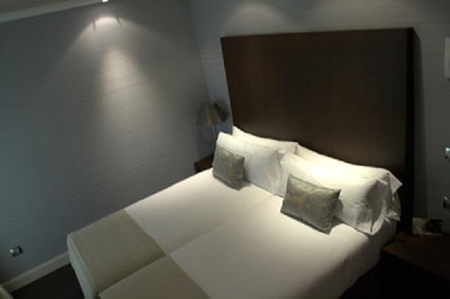 "Habitación Comfort ""cool"" 2 camas + 1 cama extra (2 adultos + 1 niño o adulto)"