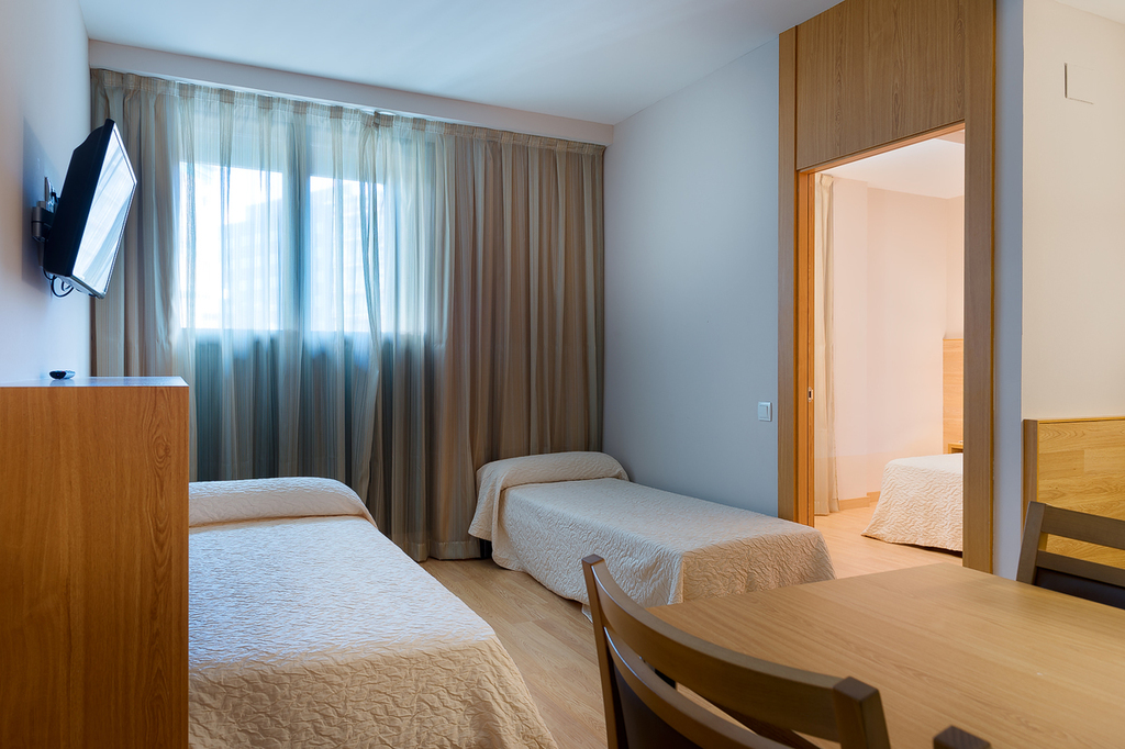 Habitaciones hotel acta azul barcelona web oficial for Habitacion cuadruple